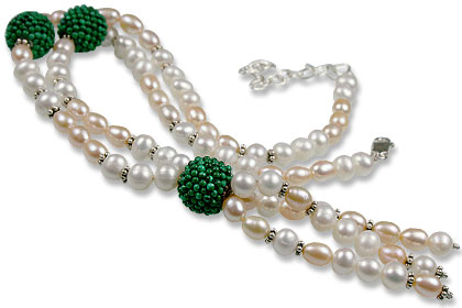 Design 13294: green,pink,white pearl classic necklaces