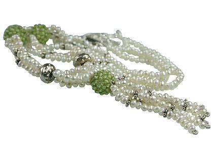 Design 13305: green,white pearl necklaces