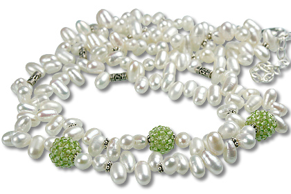 Design 13315: green,white pearl necklaces