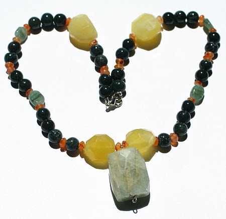 Design 15727: green,orange,yellow onyx pendant necklaces