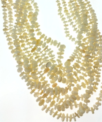 Design 20470: white mother-of-pearl clustered necklaces