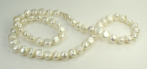 Design 9347: white pearl simple-strand necklaces