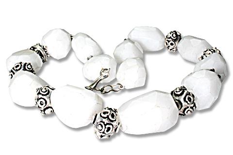 Design 9712: white snow quartz chunky necklaces