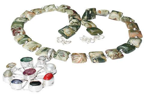 Design 9763: Green jasper ethnic, flower necklaces