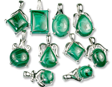Design 13415: green bulk lots pendants