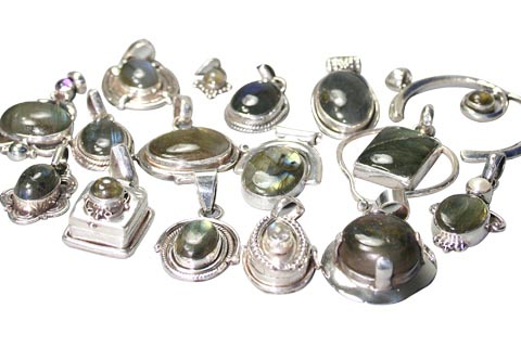 Design 9899: green labradorite pendants