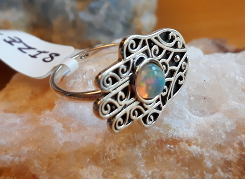 Design 22134: green,orange,yellow opal rings