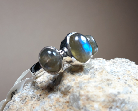 Design 22158: gray labradorite rings