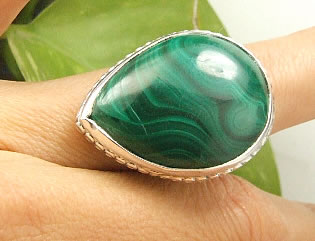 Design 7233: green malachite american-southwest rings