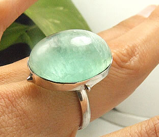 Design 7238: green fluorite rings