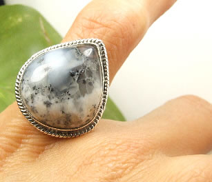 Design 7247: gray,white dendrite opal american-southwest, drop rings