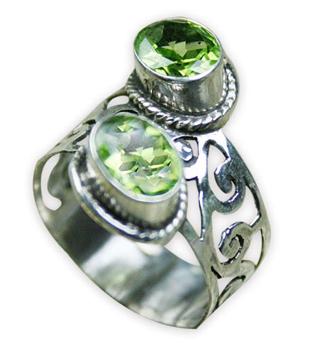 Design 8281: green peridot rings