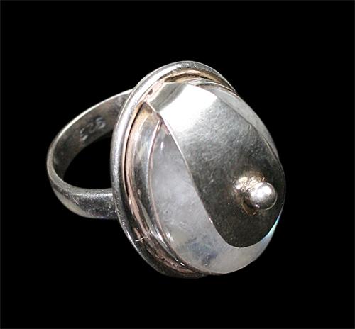 Design 8528: white moonstone rings