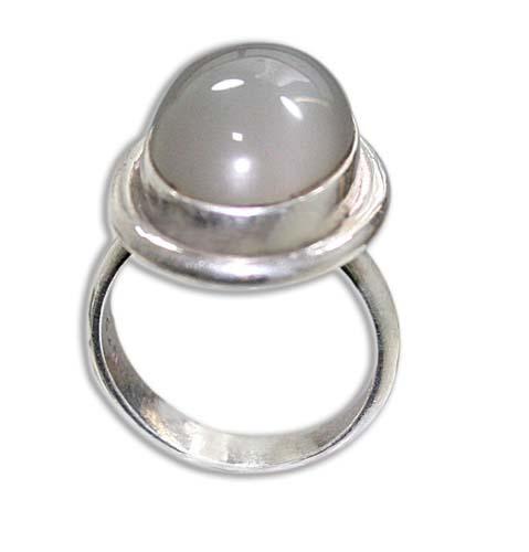 Design 8593: White moonstone rings