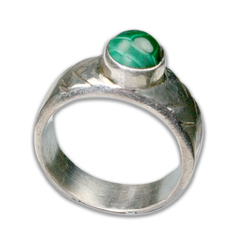 Design 8689: green malachite rings