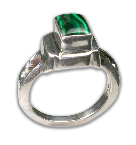 Design 8697: green malachite rings