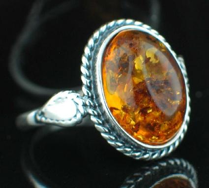 Design 8895: yellow amber vintage rings