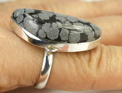 Design 9359: black,gray obsidian rings